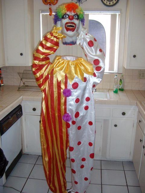 6 Ft Heads Up Clown. Holy Grail Of Clown Prop. Talks, Moves. Halloween Prop