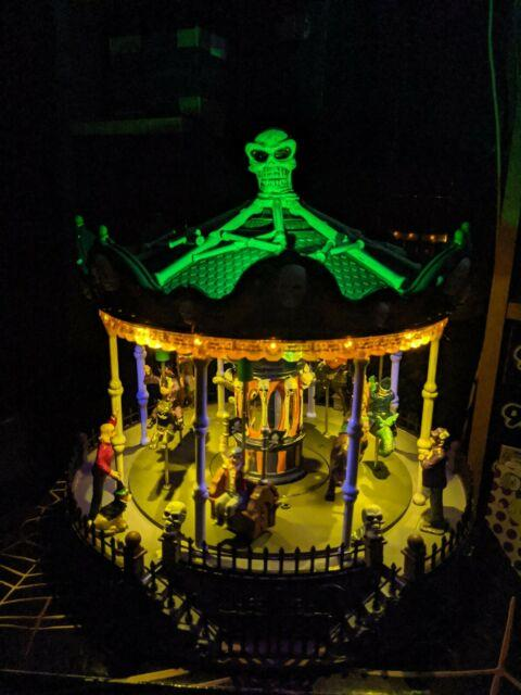Awesome Lemax Spooky Town Haunted Carousel Scary Go Round Halloween Park Ride