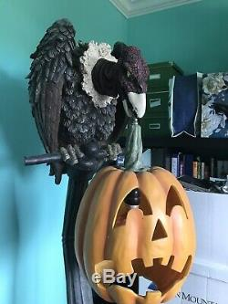 DEPARTMENT 56 HALLOWEEN GOTHIC STREET LAMP VULTURE LAMP POST LIFE SIZE 5-6 Ft