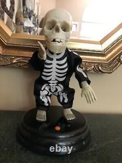 Gemmy Halloween Animated Dancing Singing Skeleton Grave Raver La Vida Loca Works