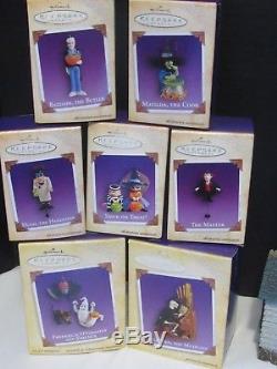 Hallmark 2004 Mansion On Ravenwood Lane Halloween Display + 7 Ornaments NEW