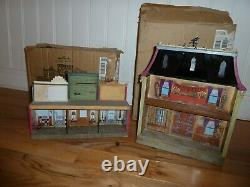 Hallmark 2005 Hauntington Collection Apothescary & Town Hall With Boxes