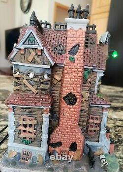 LEMAX Spooky Town Last House on the Left 35548 RARE & RETIRED