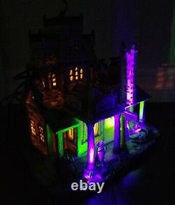 Lemax 2007 RED RIVER MOTEL 75491 Spooky Town Retired Lighted Halloween Building