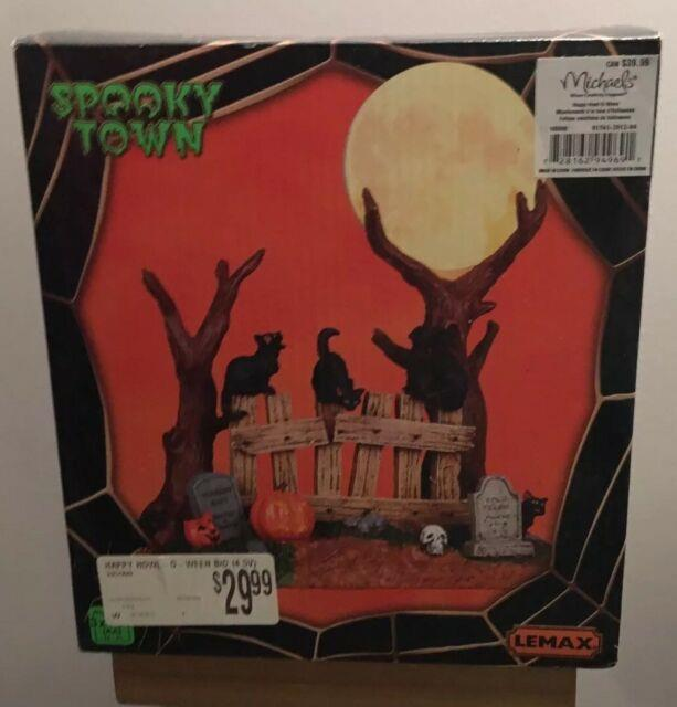 Lemax 94969 Happy Howl-o-ween Spooky Town Lighted Moon Cats Retired Halloween I