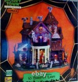 Lemax Spooky Town 13 GHASTLY LANE #05003 NRFB Halloween Village Light with Sound