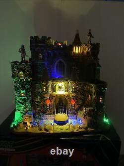 Lemax Spooky Town Black Castle medieval knight Dragon Animated Halloween RARE
