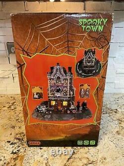 Lemax Spooky Town Village Undertaker Brand New 9 piece set Retired