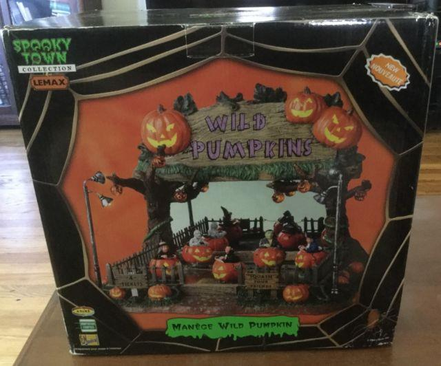 Lemax Spookytown Collection Manege Wild Pumpkin Working Condition