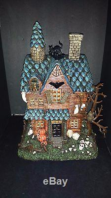 NEW Haunted House With Flickering Lights & Sound Spooky Halloween Village