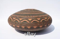 OOAK Navajo Signed Susie Charlie Large Pottery Seed Pot Exquisite