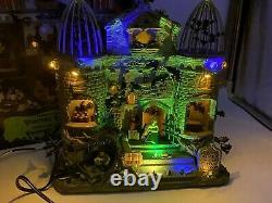 RARE Lemax Spooky Town Vampire Bat Aviary Halloween Retired 15192 Lights Sounds