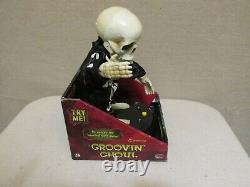 Rare Gemmy 2008 Groovin Ghoul Dancing Skeleton Grave Raver Groove Line