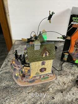 Rare Lemax Spooky Town Witches Brew Haus Animated Broom Cauldron Halloween