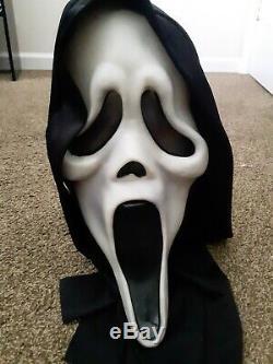 Scream mask Fun World Div