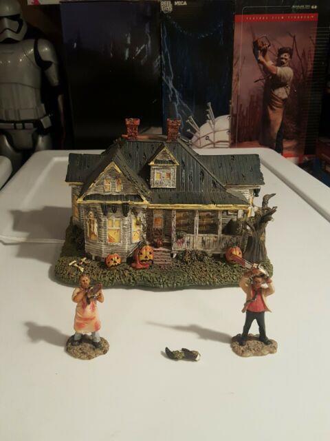 The Hewitt House Hawthorne Village Of Horror Classics -texas Chainsaw Massacre